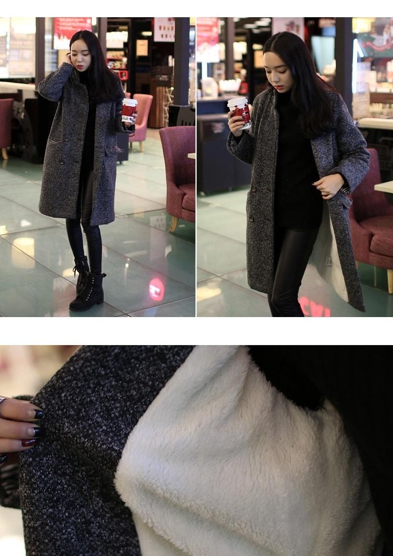 info, 韓国スタイルのチェスターコートです。襟を立てれるように襟の高さを低めにデザインされた韓国で主流のデザインです。襟を立ててクール&オシャレに。